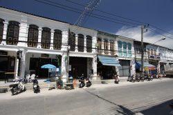 Phuket Town, die kleine feine Hauptstadt der Insel. Phuket Stadt ist über die INsel hinaus bekannt für seine große Musik Szene. Vor allem im Bereich Jazz.