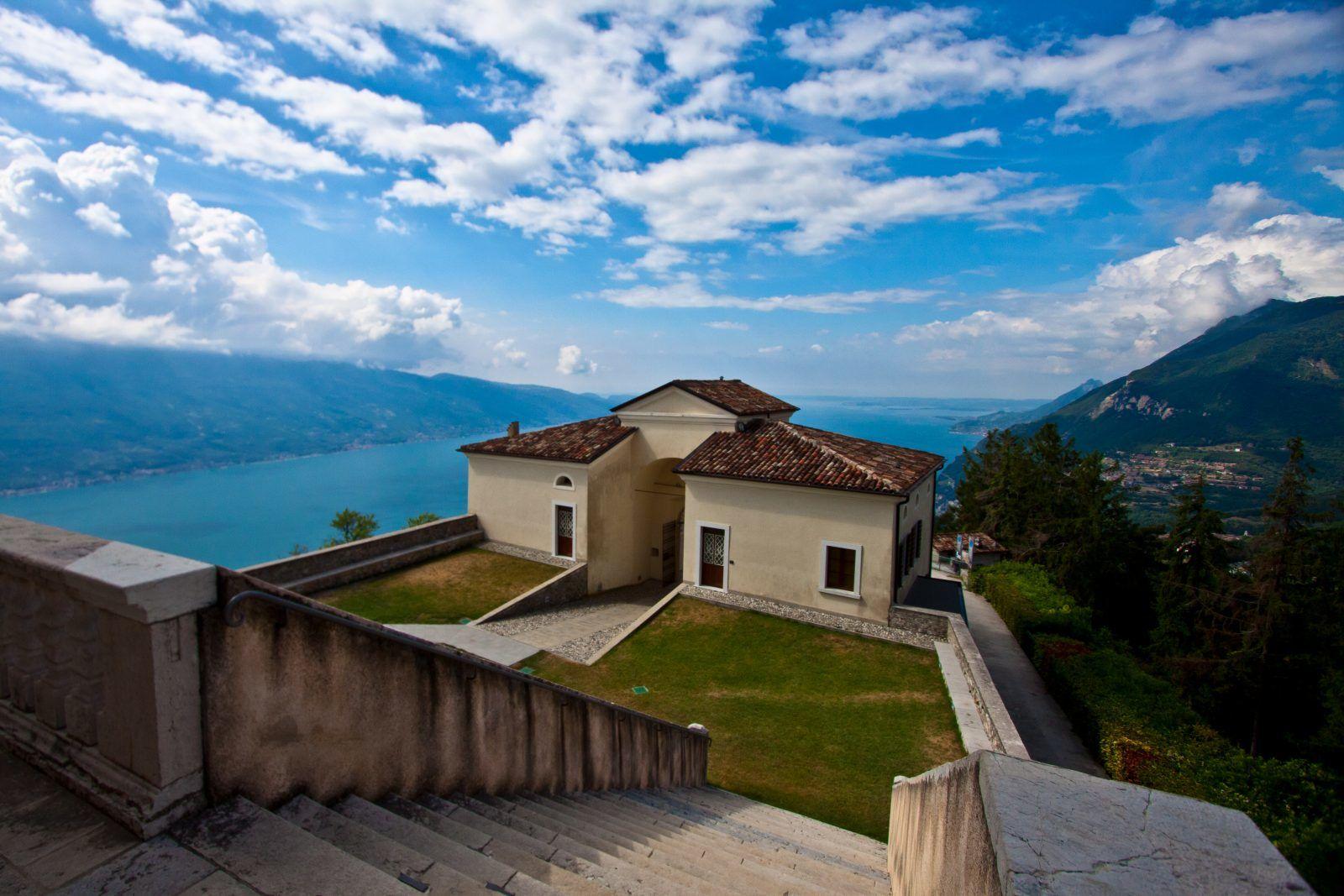 Montecastello – Walfahrtskirche mit Ausblick